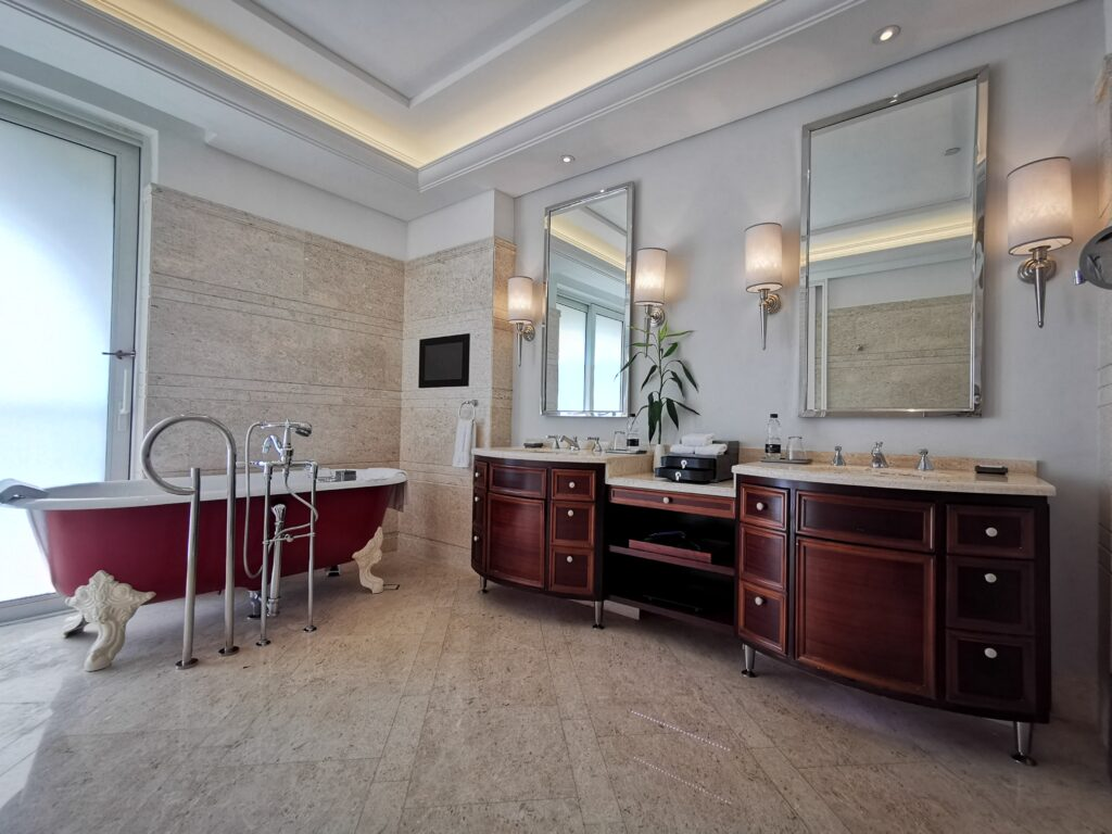 Marriott Sanya Haitang Bay Suite Bathroom